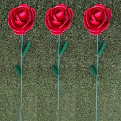 Pack Of 3 Mini Bright Red Rose Metal Garden Stakes valentine Gift H 63cm Fountasia