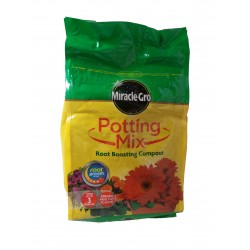 Miracle-Gro Potting Mix Root Boosting Compost 8L